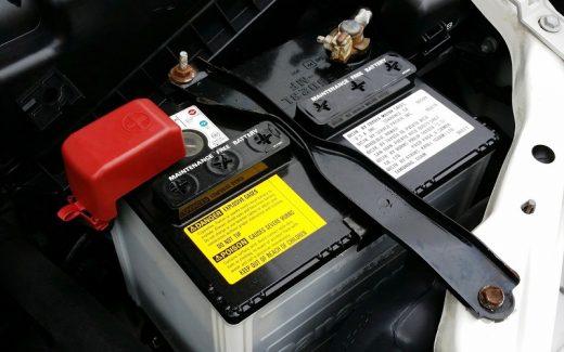 Automobilio akumuliatorius paprastai tarnauja nuo 3 iki 5 metų